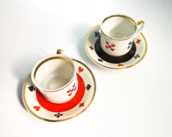 Set of 2 coffee tea cups poker bridge playing cards signs red black white