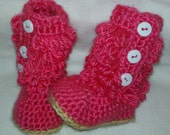 Baby boots, Furry Loop Boots Crochet Boots in Pink. 0-3, 3-6, 6-9  mo available for custom orders, Crochet boots