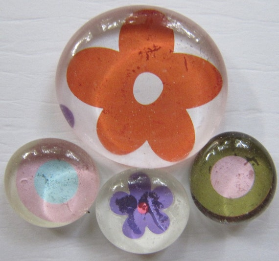 Glass Pebble Magnets - Flowers - Dots-2  Set of 4 Kitchen Magnets - Office Decor - Orange