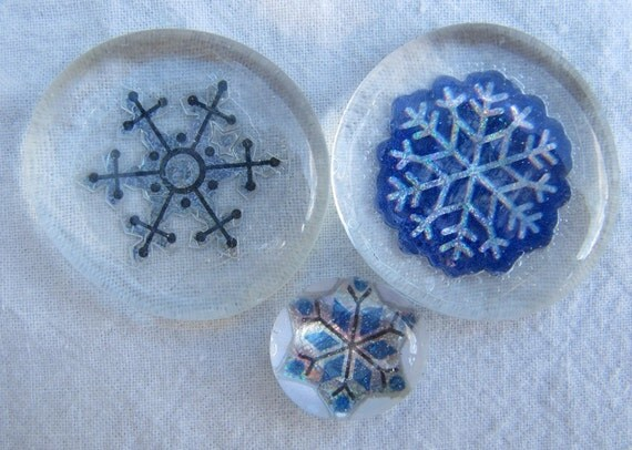 Glass Pebble Magnets - Snowflakes-7 - Set of 3 - Holiday - Winter - Blue - White - Christmas Gift - Xmas