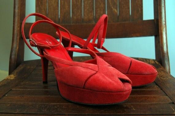 Vintage Charles David  Red Suede Ankle Strap Platform Peeptoe Heels