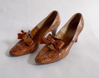 Vintage Snakeskin Duchess Pumps : Size 6.5 us 4.5 uk 37.5 eur