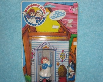 Vintage Raggedy Ann Toy in its original package, 1988 Macmillan
