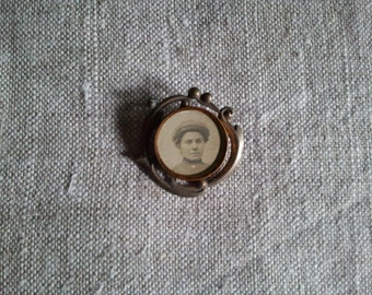 Edwardian Antique brooch with  photo holder