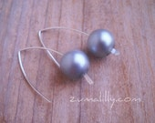 Earrings. Handmade. Silver Swarovski Light Grey Glass Bridal Pearls with Sterling Silver Ear Wires by Zumalilly on Etsy