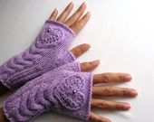 IN LOVE...again.. Violet / Light Purple Fingerless Gloves with a HEART