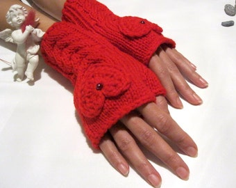 I LOVE YOU...Red Fingerless Gloves with a  HEART ... A Perfect gift for Christmas
