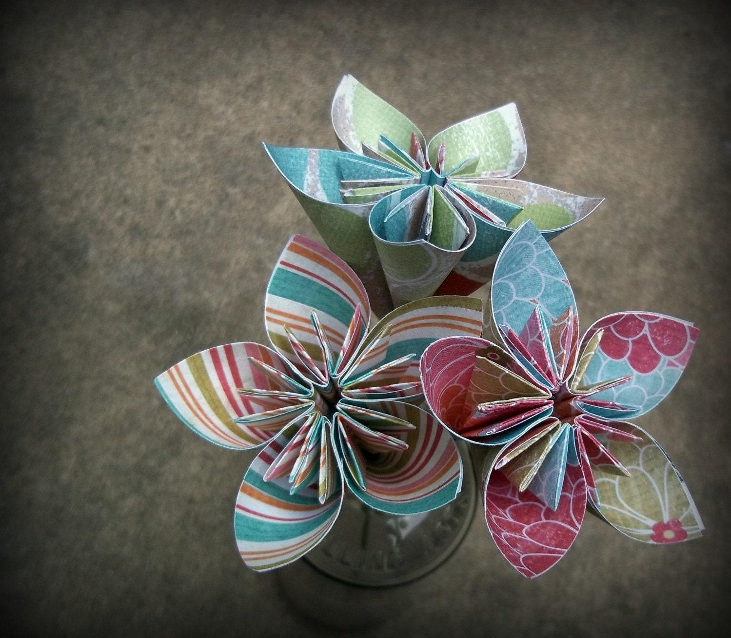 Mini Origami Paper Flower Bouquet. 3 Origami Paper Flowers. - photo#24