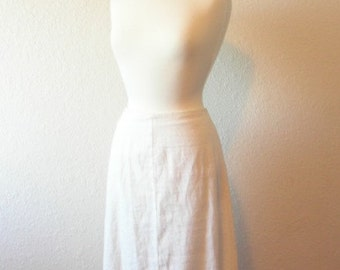 SALE 35% OFF//vintage 1970s// white cotton crocheted lace knee length skirt