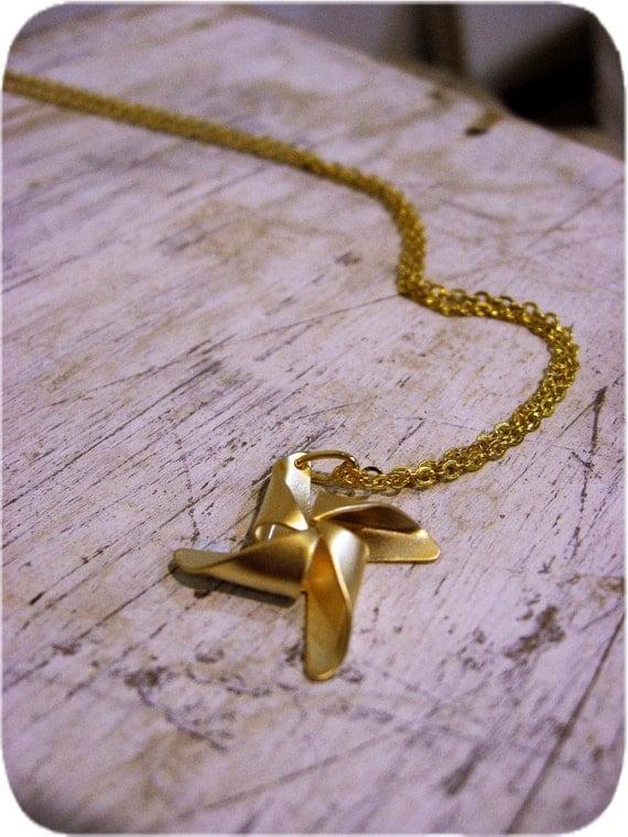 The Golden Pinwheel Necklace