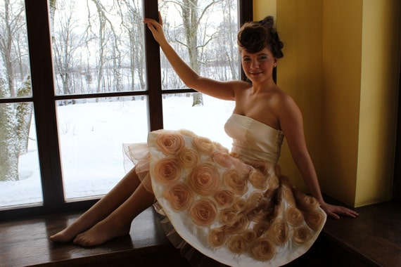 SALE free shipping Beautiful dress with roses, wedding dress