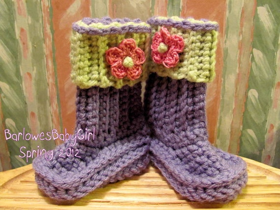 Buggs- Crochet Baby Booties in Lavender w/ Soft Fern Detachable Band and Flower Accent