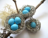 Gift for mom,  three children mom nest keyring with robins blue egg beads - personalized family accessory