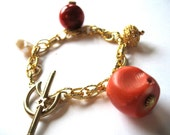 Chunky Gold Bracelet, Beaded Tropical Jewelry, Red Coral Salmon Orange White Pearl Chain Toggle  Bracelet