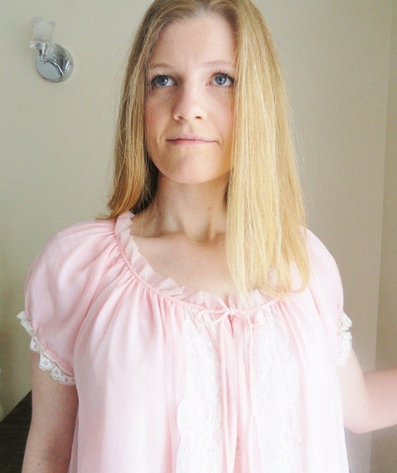 Ultimate Girly-girl Pretty Pale Pink Double Layered Vintage Negligee.