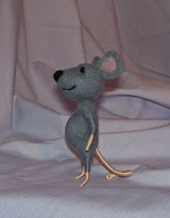 Needle Felted Gray Mouse FREE SHIPPING to US and Canada