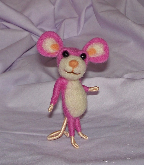 Needle Felted Raspberry Pink Mouse - FREE SHIPPING to US and Canada