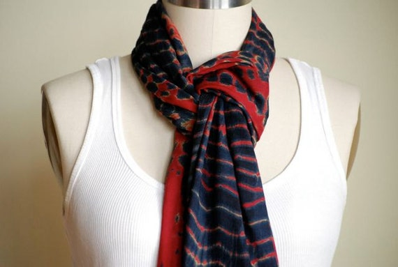 ANGIE Scarf (Navy/Red)