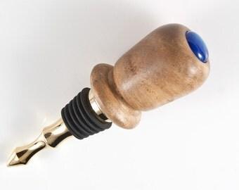 Bottlestopper in Walnut with pearl blue acrylic insert