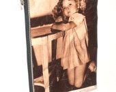 """1934 .""""Shirley Temple""""     vintage newspaper pencil case or make up purse"""