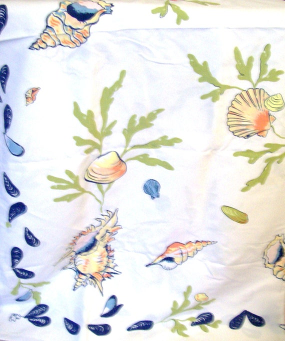 """Vintage Large Tablecloth and 8 Matching Napkins """"Mussels & Shells"""" Beach Motif Design"""