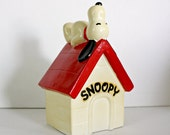 Vintage Snoopy Peanuts Collectibles..Bank..Doghouse..1970..TogetherAgainVintage