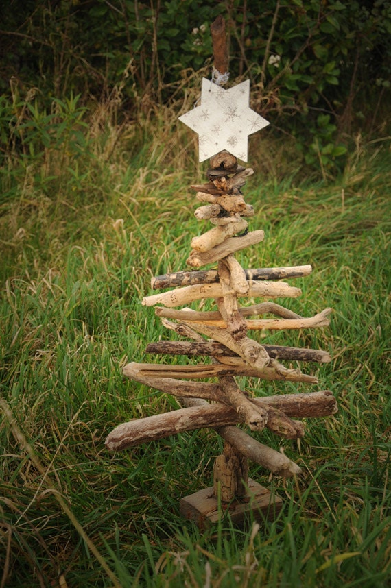Driftwood tree rustic christmas tree for hanging decorations for Hanging driftwood christmas tree