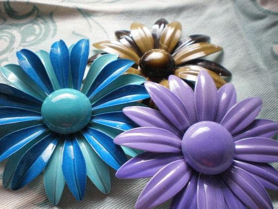 Vintage Daisy Pins