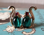 Vintage Trifari Green Glass Rhinestone Face Cat Earrings