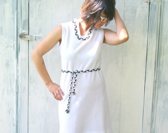 1970s BLACK and WHITE Jackie Kennedy Dress...size small to medium.....mod. retro. classic. fancy. black and white. checkered. mad men.