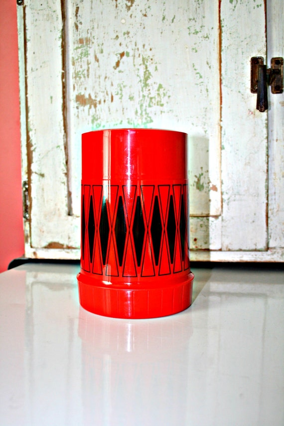 70s Vintage RETRO Black and Red THERMOS....bright. retro housewares. 70s 80s. thermos. drink. eat. novelty.