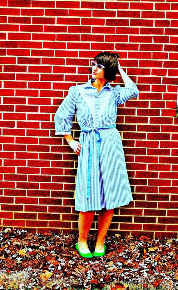 60s Vintage BLUE LACE Nautical Stripes Classic Dress....size medium to large......60s dress. striped. preppy. mod. classic. lace.