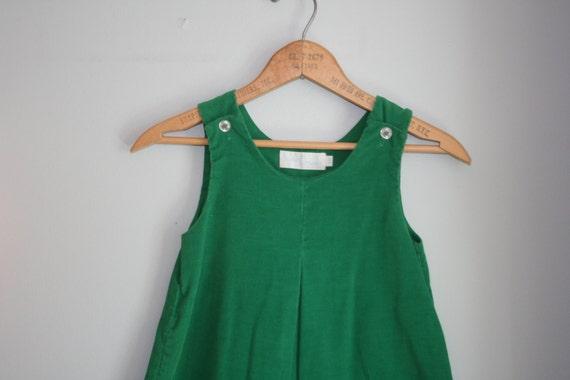 70s Vintage KELLY GREEN Girls Jumper Dress.....size 6 girls....kids. children. toddler. green dress. 70s retro kids. pleated.
