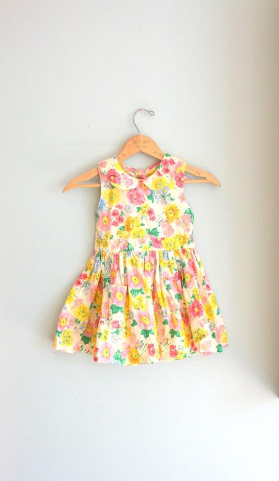 Vintage SUNSHINE FLOWER GARDEN Girls Dress.....size 5 girls......flower. sunny. garden. spring. children. dainty. ruffles. kids.