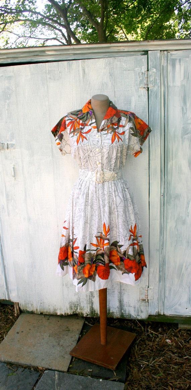 1970s LEAF SAFARI Dress...size small....retro. burnt orange. leaf. nature. olive. aztec. cotton sundress. wiggle. twirl