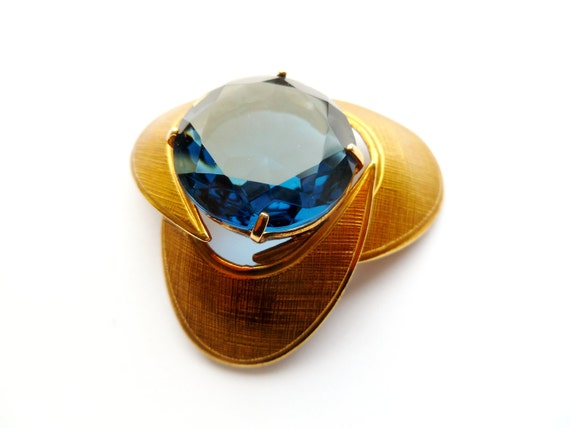 1950's Blue Glass Stone Goldtone Brooch