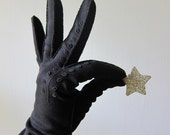 Elegant Long Black Dress Gloves with Embroidered Details