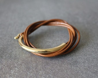 Leather Wrap Bracelet with Gold Metal Ornament(Brown)
