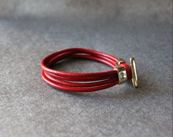 18k Gold Plated T closure Leather Wrap Bracelet (Red)