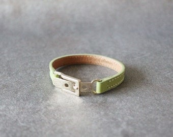 Belt Buckle Ornament Leather Bracelet(Apple Green)