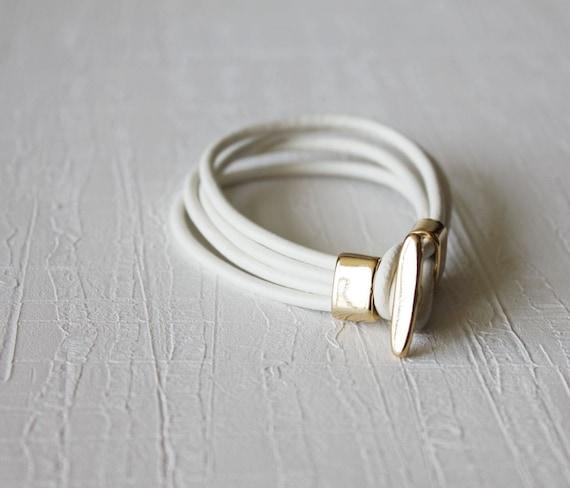 18k Gold Plated T Closure Leather Wrap Bracelet(milk white)