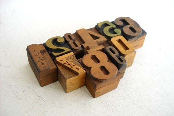 FREE SHIPPING - 0 to 9 -Vintage Letterpress Wooden Letters Collection -L27