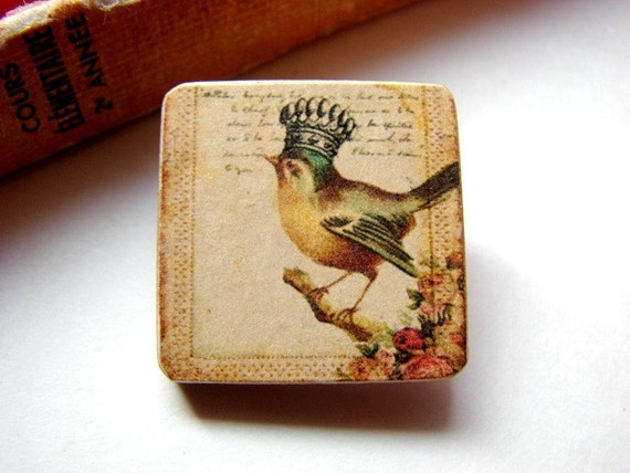 Tiny Wood Pin Brooch- Little Bird with a Crown- Decoupage Collage Victorian Shabby Vintage Crowned