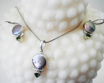 Sterling Silver 925 Marked Mother of Pearl Peridot Gemstone Necklace and Earring