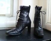 Vintage Etienne Aigner Lace Up Ankle Boots Size 5 1/2