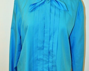 Vintage Blue Dressy Blouse. Pretty blue blouse with bow. Mid century shirt for a suit. Office wear.