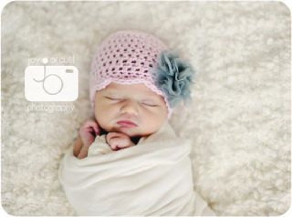 Oh so sweet  scalloped beanie ---custom made-- Baby, children, toddler hat