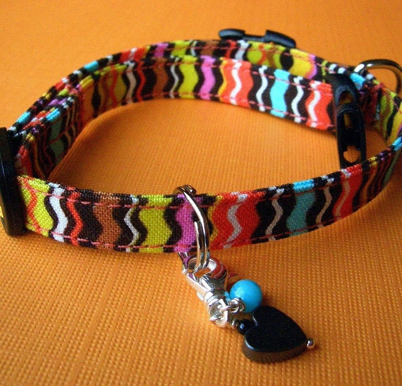 Small mini  dog collar - Bright multicolor curvy stripes with a hemalyke and mother of pearl charm