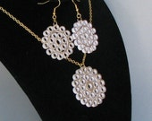 Quilled Gold on White Circles Necklace and Earrings Set