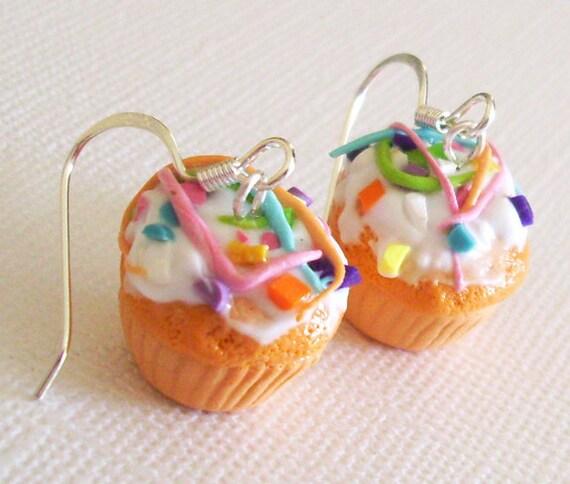 Confetti Cupcake Earrings, Clay Mini Food Earrings with Vanilla Frosting and Confetti Sprinkles, Cute Kawaii Cupcake